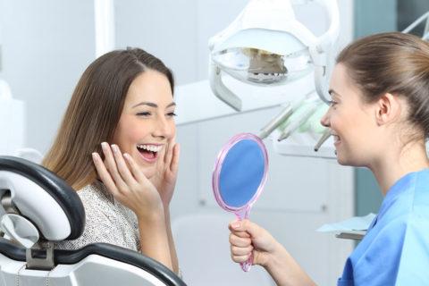 piękny uśmiech - implanty
